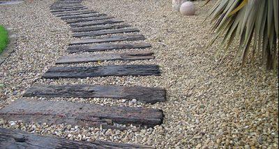 Een pad maken van spoorbielzen
